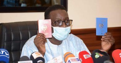 CEDEAO: Amadou Ba rend public les nouveaux passeports